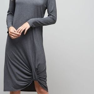 Dresses & Skirts - Twisty Dress Super Cute!